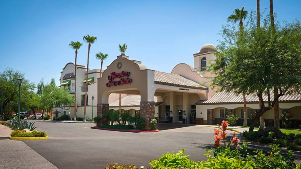 Hampton Inn & Suites Scottsdale-Featured Image